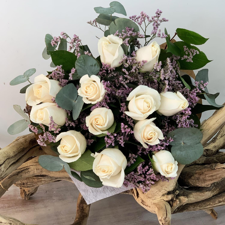 Ramo 12 rosas Día de la Madre a Domicilio